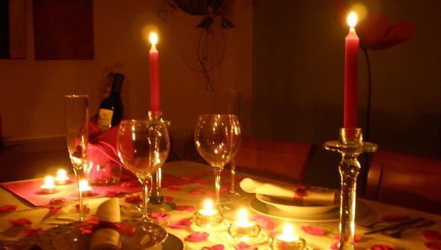 C mo preparar una cena rom ntica diario de palenque for Platos para una cena romantica