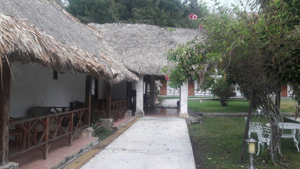 Hotel villas kin ha reapertura para vacaciones diario de for Villas kin ha palenque incendio